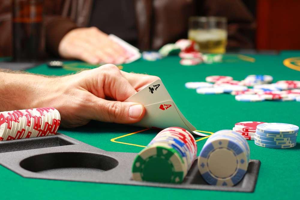 poker.dealer